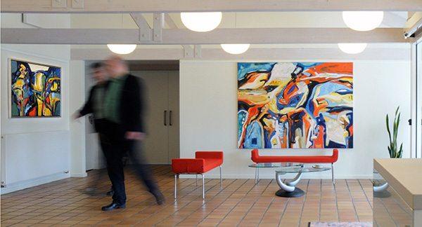 Udsmykning med Peter Lundbergs malerier på Galten Elværk